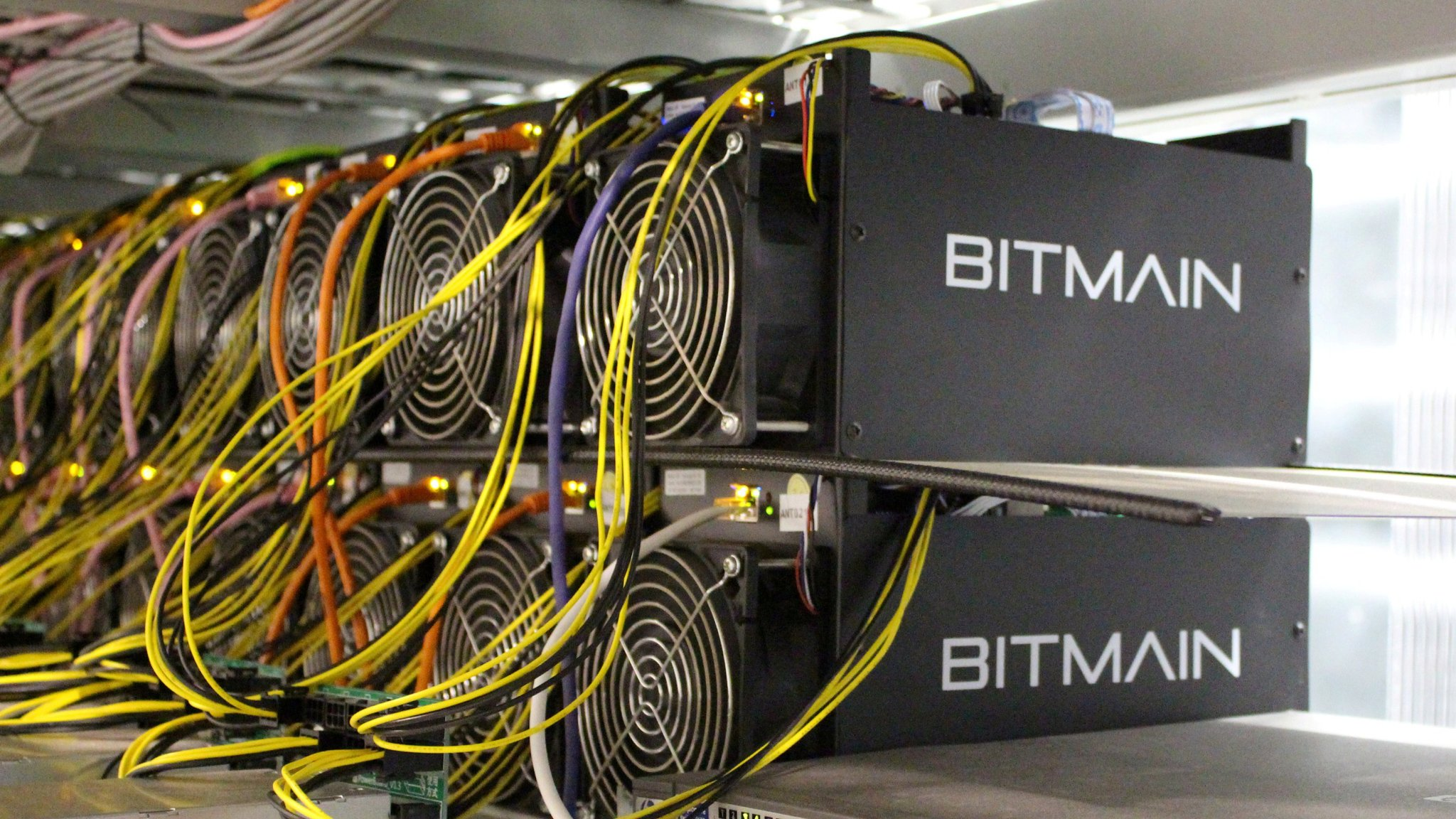 El Salvador President is Planning to Power Bitcoin Mining Rigs with Volcano Energy