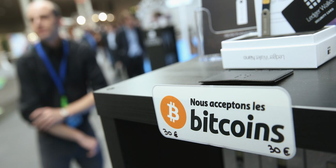 how many stores accept cryptocurrency